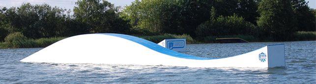 Süsel Seeparx Features Wakeboard Park - Elefant-Box